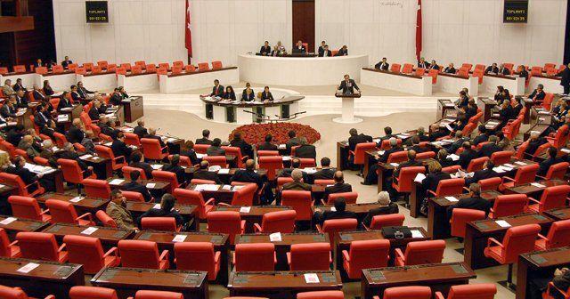 Üç döneme takılan vekiller Cumhurbaşkanı Erdoğan'ı ziyaret ettiler