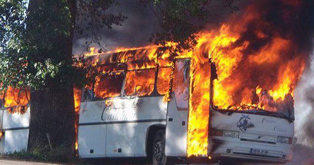 Yolcu dolu otobüsü yaktılar, 7 ölü, 22 yaralı