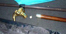 69 yaşındaki adamın bastonundan kokain çıktı