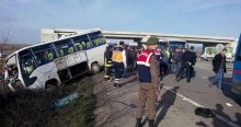 Bursa'da servisler çarpıştı, ölü ve yaralılar var