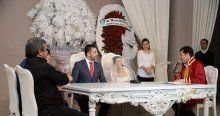 Şarkıcı Gülay evlendi