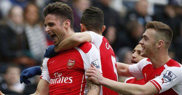 Arsenal'i Giroud taşıdı
