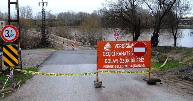 Tarihi köprüler trafiğe kapatıldı