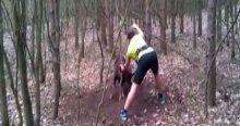 Boynuzu ağaca takılan koçu böyle kurtardı