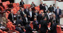 Meclis yine karıştı, Lütfü Türkkan'a meclisten çıkartma cezası