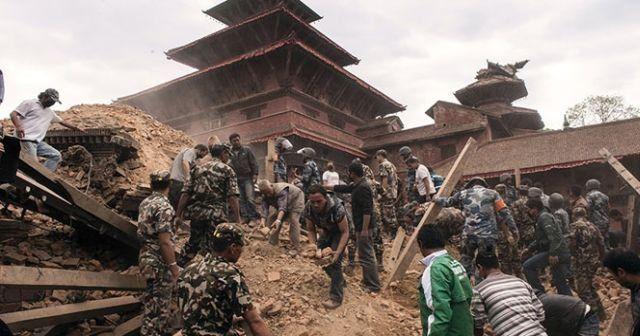 Nepal'de ölü sayısı gün geçtikçe artıyor