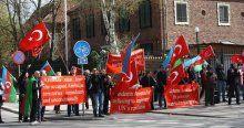Ermeniler Türk bayrağına saldırmak istedi, Türkler izin vermedi