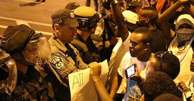 İsrail polisi Etiyopya asıllı Yahudilere müdahale etti