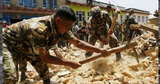 Nepal'de enkazdan sağ çıkarma umudu kalmadı