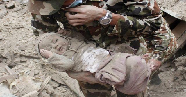 Nepal'in Azra bebeği
