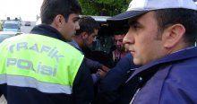 Ehliyetsiz sürücü polise zor anlar yaşattı