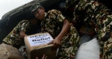 Nepal'de gümrük kontrolleri yardımı geciktiriyor!