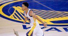 Stephen Curry NBA'in en değerli oyuncusu seçildi