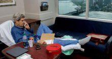 Bacağı kırılan John Kerry'den ilk fotoğraf