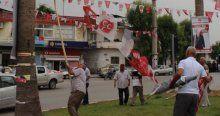 MHP'liler ve polis arasında bayrak gerginliği