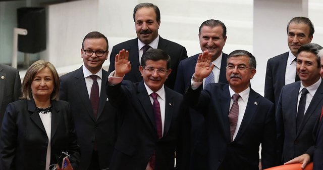 Başbakan Davutoğlu koalisyon sürecini şeffaf yürütecek