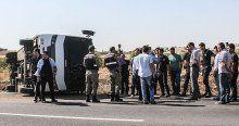 Şanlıurfa'da çevik kuvvet otobüsü devrildi, 4 yaralı