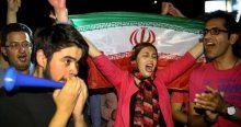 Tahran'da, 'müzakare' kutlaması