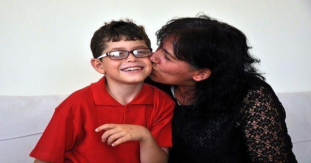 Zihinsel engelli çocuğa koruyucu aile şefkati