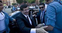 Davutoğlu'ndan polis telsizinden anons