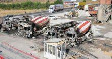 Teröristler 7 aracı ateşe verdi