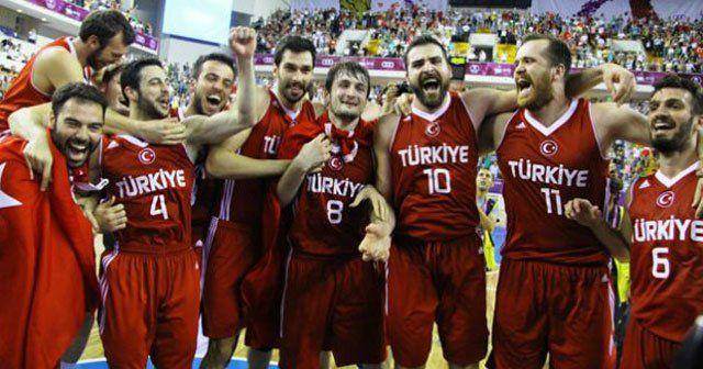 Almanya-Türkiye maçı hangi kanalda, saat kaçta?