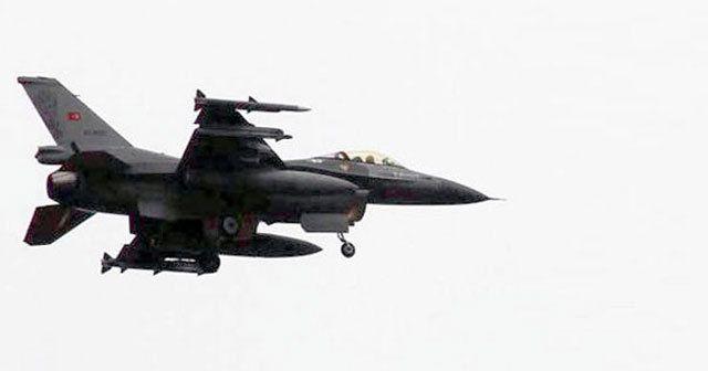 Ege'de Türk jetlerine Yunan tacizi