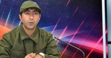 Ana haber bültenini askeri kıyafetle sundu