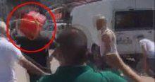 Teröristlerle çatışmaya giren polise saldırdılar