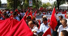 Türkiye Kamu-Sen üyeleri şehitler için yürüdü