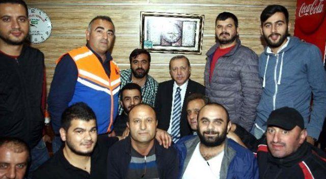 Erdoğan taksi durağına uğrayıp, sohbet etti