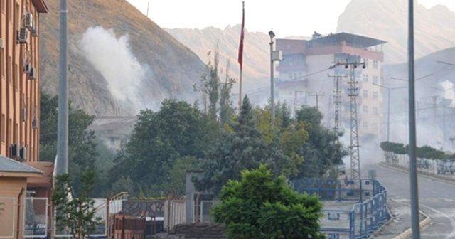 Hükümet konağına roketli saldırı