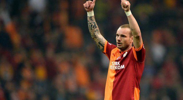Sneijder 11'de başlayacak mı?