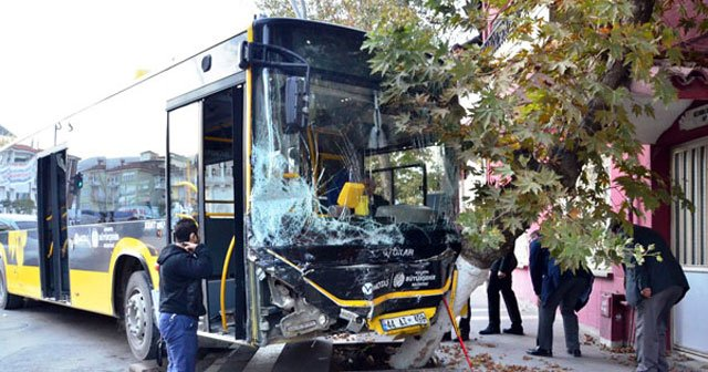 Şoför kalp krizi geçirdi, onlarca yolcu ölümden döndü