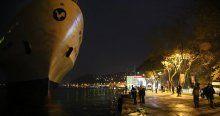 İstanbul Boğazı'nda bir gemi karaya oturdu