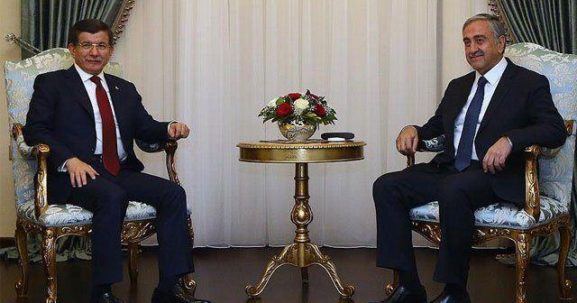 Davutoğlu, Akıncı ile ortak basın toplantısı düzenledi