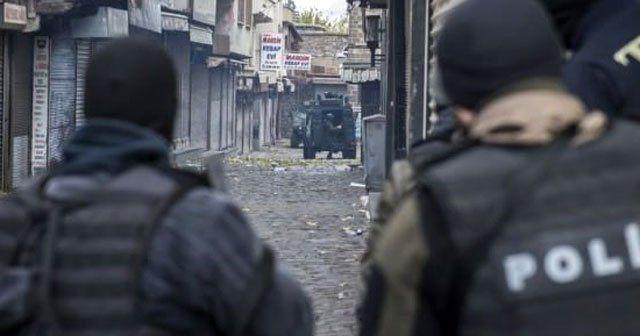 Diyarbakır'da çatışma, 4 polis yaralı!