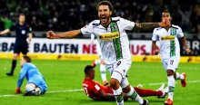 14 maçlık seri bitti, Gladbach, Bayern'i dağıttı