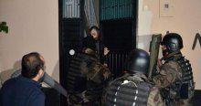 Adana'da bin polisle kaçakçılık operasyonu
