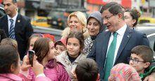 Başbakan Davutoğlu'ndan öğrencilere sürpriz