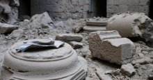 Esad tarihi kaleyi parçaladı
