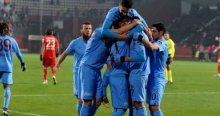 Trabzonspor Antalyaspor'u 3 farkla geçti