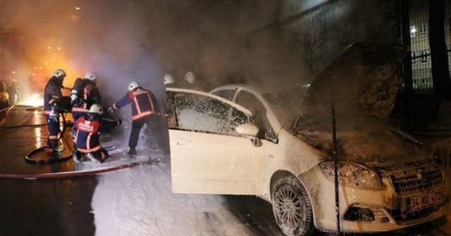Örgüt yandaşları Okmeydanı'nda 5 aracı kundakladı