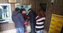 Azerbaycan'da döviz büroları kapanıyor