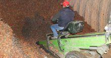 Depoda kalan patatesler tüccarları bekliyor