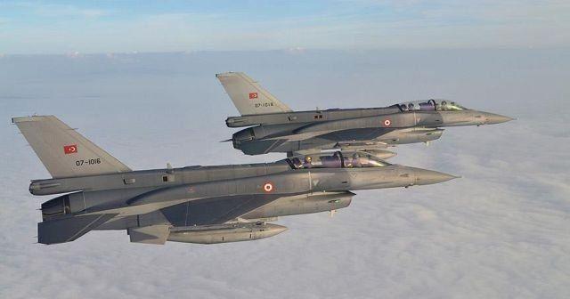 TSK, Irak'ın kuzeyindeki PKK kamplarını vurdu