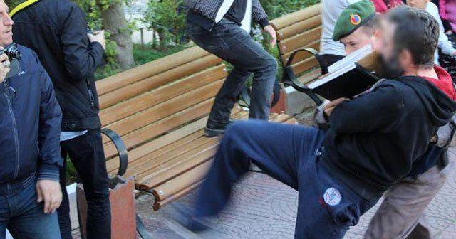 Adliye girişinde gazetecilere saldırdılar