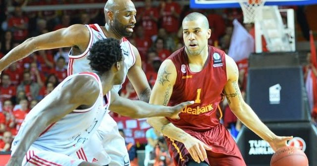 Aslan umudunu İstanbul'a bıraktı