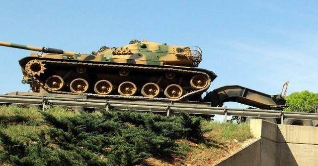 Sınıra tank sevkiyatı başladı