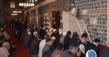 Diyarbakır Ulu Camide Regaip Kandili programı düzenlendi